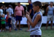 how social media impacts younger generation